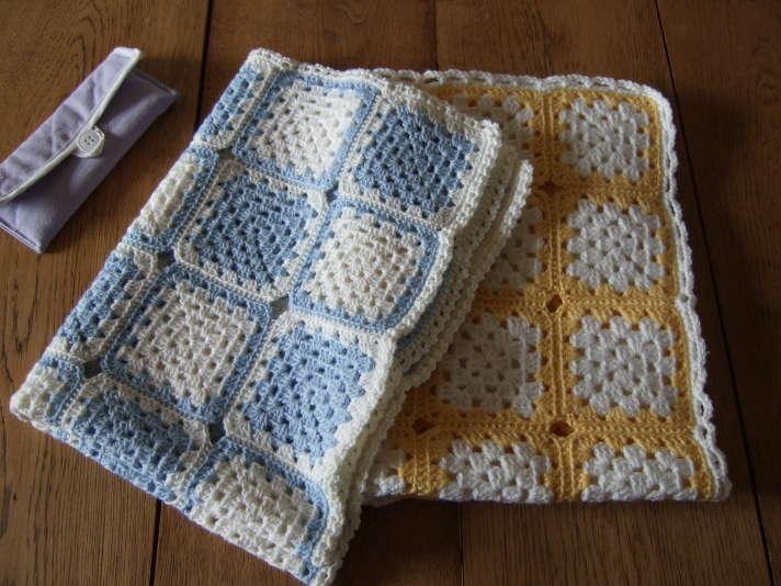 r alisations au crochet et au tricot. Black Bedroom Furniture Sets. Home Design Ideas